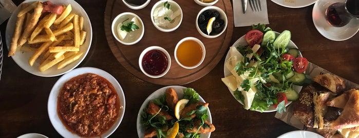 Ebrar Cafe Pasta is one of Posti che sono piaciuti a Kiki.