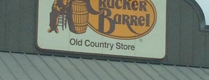 Cracker Barrel Old Country Store is one of สถานที่ที่ Joseph ถูกใจ.