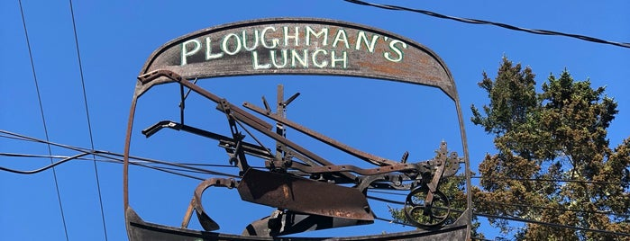 Ploughman's Lunch is one of Locais curtidos por Natasha.