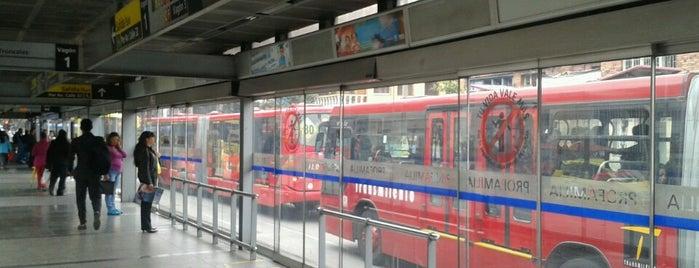 TransMileno: Profamilia is one of Lieux qui ont plu à Yesid.