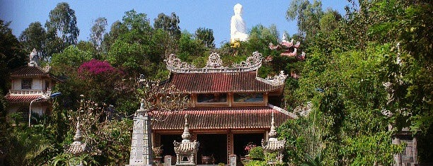 Chùa Long Sơn (Long Son Pagoda) is one of Follow me to go around Asia.