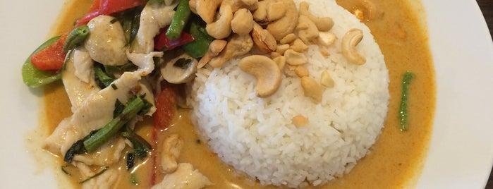 Khun Mae Thai Küche is one of Orte, die Robert gefallen.