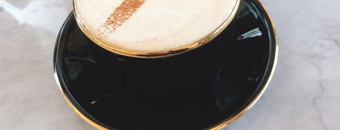 CANDY DE SHOT COFFEE is one of ♠ 가로수길 지역전문가 ♠.