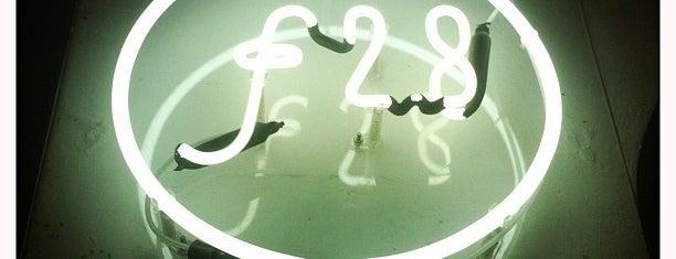 Galeria ƒ2.8 is one of Música e entretenimento.
