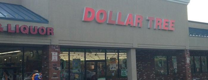 Dollar Tree is one of Orte, die Jeremy gefallen.