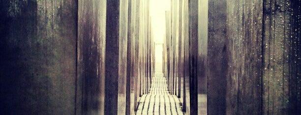 학살된 유럽 유대인을 위한 기억물 is one of A few days in Berlin.