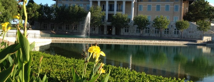 Soka University is one of Lugares favoritos de Scott.