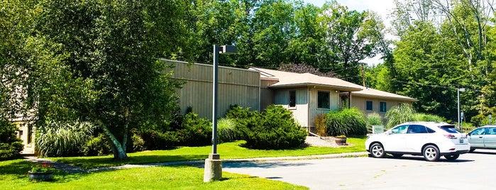 River Rock Health Spa is one of Orte, die Gabbie gefallen.