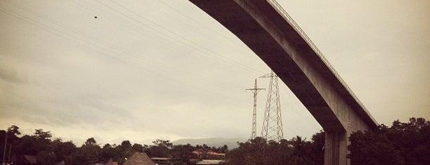 Puente Rio Dulce is one of Orte, die Ricardo gefallen.