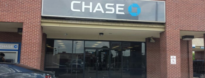 Chase Bank is one of Lieux qui ont plu à Chris.