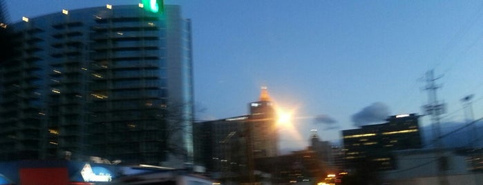 10  10th Street, Atlanta, GA is one of Chia : понравившиеся места.
