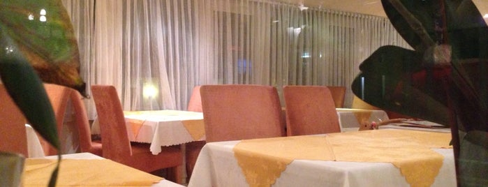 Gasthaus Loacker is one of Thomas 님이 좋아한 장소.