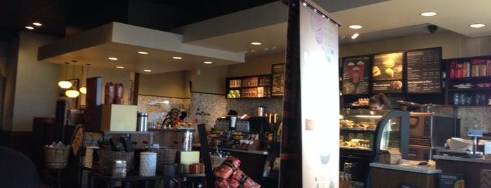 Starbucks is one of Social Business Solutions Group 님이 좋아한 장소.