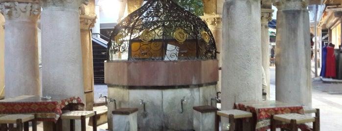 Tarihi Şadırvanaltı Kafe is one of izmir.