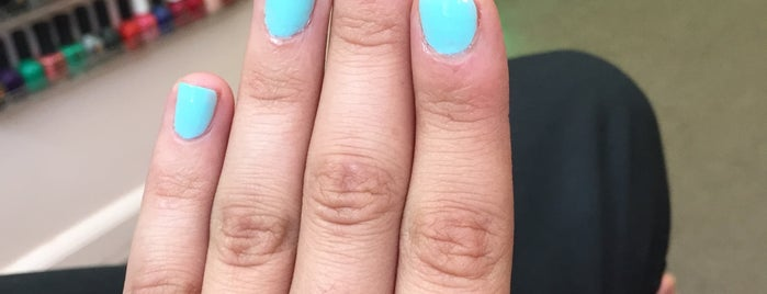 Nails on Riverdale is one of Cindy : понравившиеся места.