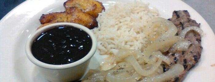 Island Chicken Grill is one of Steven'in Beğendiği Mekanlar.