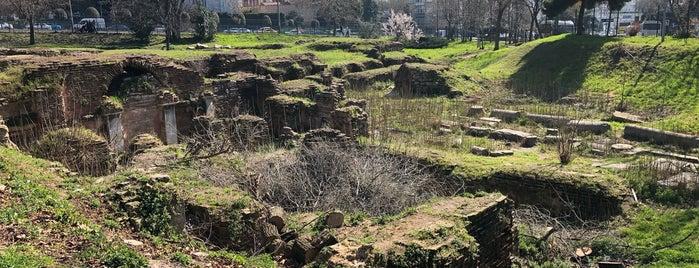 Ayios Polieuktos Kilisesi is one of Locais curtidos por Mesrure.