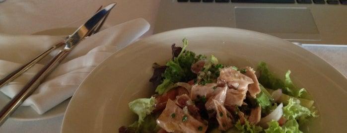 Restaurante Embarcadero (muelle Deportivo) is one of 🎩💍Ocasió Especial (5)👠👛.