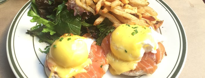 Le Barricou is one of NYC's Best Eggs Benedict Dishes.