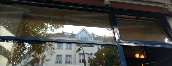 Café Savigny is one of Posti che sono piaciuti a Jakob.