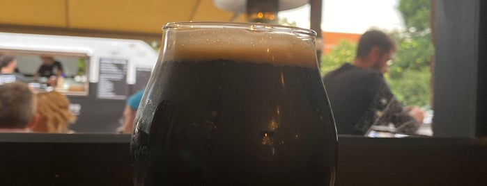 Nomad brewing Co. is one of Lugares favoritos de Danielle.
