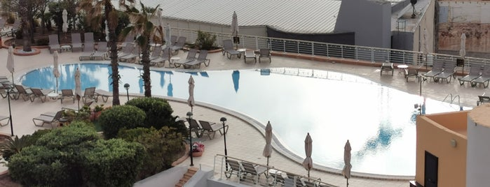 Pool - InterContinental Malta is one of Orte, die Tim gefallen.