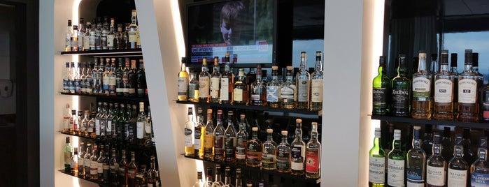 SWISS Whisky Lounge E is one of Lieux qui ont plu à Jana.