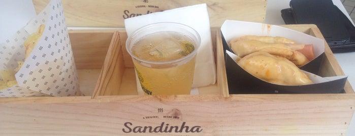 Sandinha is one of Tempat yang Disimpan Inga.