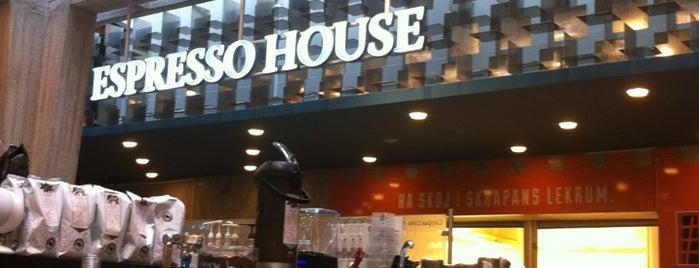 Espresso House is one of Locais curtidos por Karla.