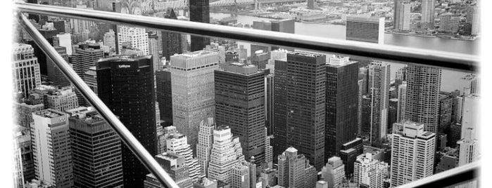 Эмпайр-стейт-билдинг is one of New York.