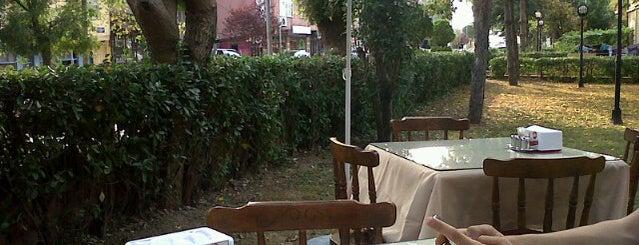Biraderler Pide Lahmacun Salonu is one of Yemek Yenilebilecek Yerler.