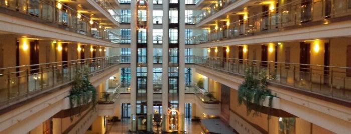 Maritim Hotel is one of Kreditkartenakzeptanz in Magdeburg.