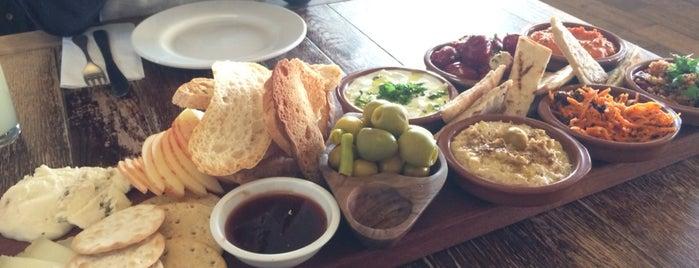 JoJo's Meze, Meat & Fish Restaurant & Coffee Shop is one of Ruth : понравившиеся места.