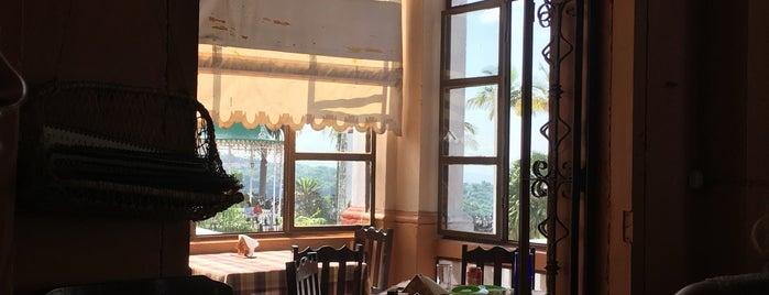 Restaurante El Portal is one of สถานที่ที่ Fernanda ถูกใจ.