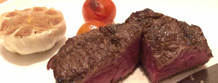DSTRIKT Steakhouse is one of Sydney'in Beğendiği Mekanlar.