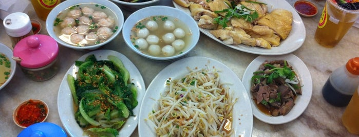 Restoran Prosperity Bowl 公雞碗菜園雞 is one of Breakfast.