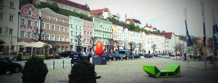 Stadtplatz Altstadt is one of Maikさんのお気に入りスポット.