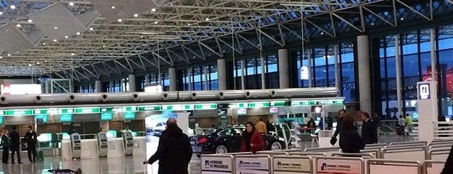 Alitalia Checkin - Aeroporti Fiumicino is one of Daniel : понравившиеся места.