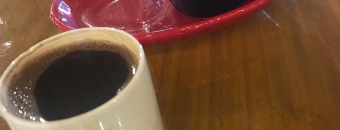 Jülyet Cafe Bistro is one of Ekrem : понравившиеся места.