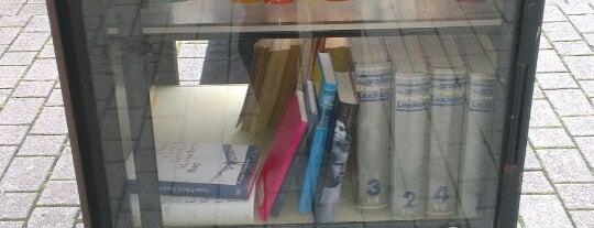 Offener Bücherschrank is one of Dirk 님이 저장한 장소.