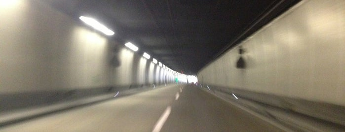Seelisbergtunnel is one of CH / Tunnels / A2 Basel - Chiasso.