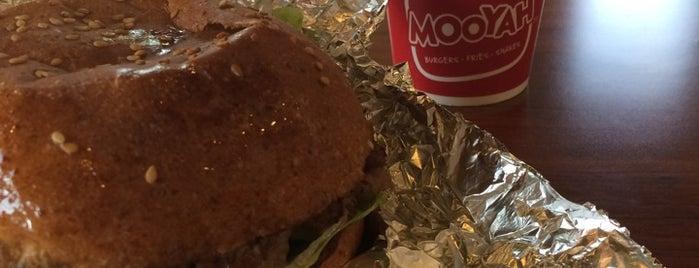 MOOYAH Burgers, Fries & Shakes is one of Locais salvos de DV.