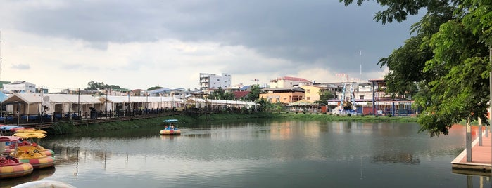 Vientiane Center is one of Lugares favoritos de Masahiro.