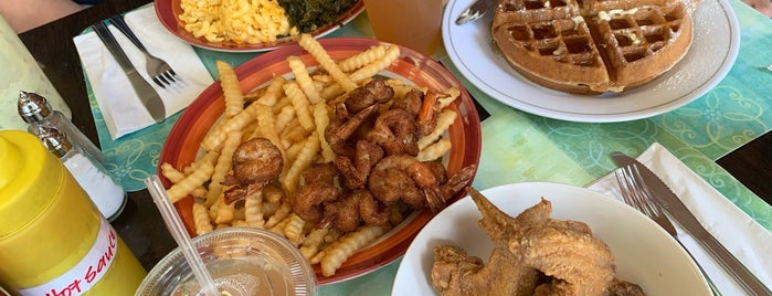 Napoleon's Southern Cuisine is one of Bruncheoncé.