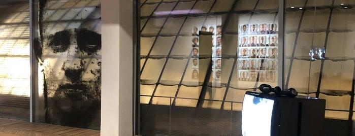 Fondazione Prada Osservatorio is one of world travel.