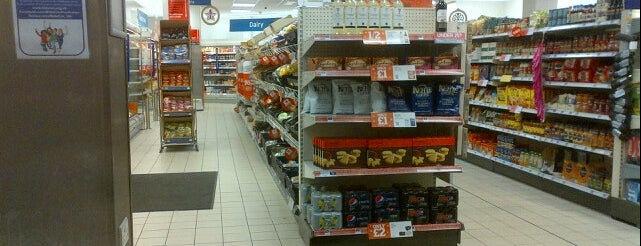 Sainsbury's Local is one of Karolさんのお気に入りスポット.