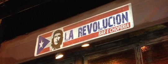 La Revolucion Bar is one of Locais curtidos por Kleber.
