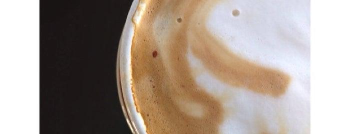 Caffé Roma is one of Orte, die Dominic gefallen.