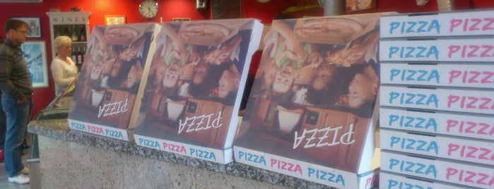 Pizzeria Spaghetteria Pulcinella is one of Lugares favoritos de Sarris.