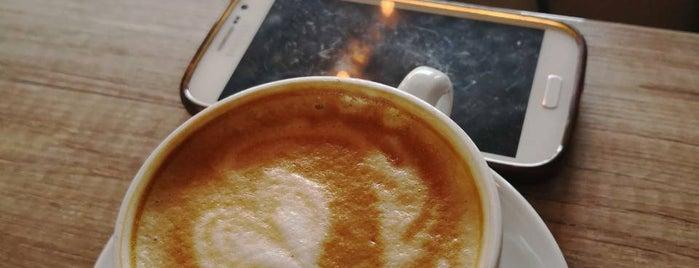 Aviator Coffee Explorer is one of Oliveraさんの保存済みスポット.